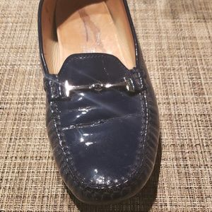 Tods patent blue flats